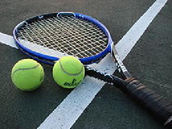<h4><strong>TennisClubSoft for </br> Private Clubs & Public Tennis</strong></h4>